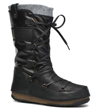 A felt lined black Moon Boot
