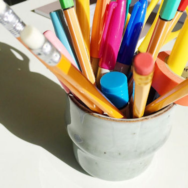 Colourful pens in pot, featured image of article, Do Social Media Workshops Work? by Helen Perry